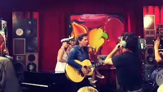Bouke bij Noardewyn Live - Come a little bit Closer (fragment)