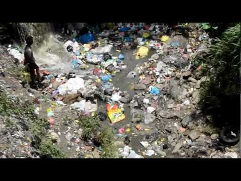 """""""Recycling"""" in Kathmandu – ecological disaster. """"DIRTY """"RIVER"""""""