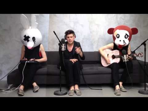 dan-black-hearts-acoustic-version-embassy-one