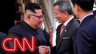 Kim Jong Un arrives in Singapore width=