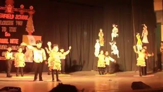 Phoolon ka taaro ka dance performance