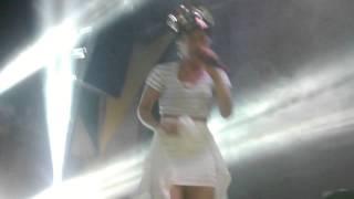 """Flora Matos - """"Preto no Branco"""" (WA Music - 05.04.14)"""