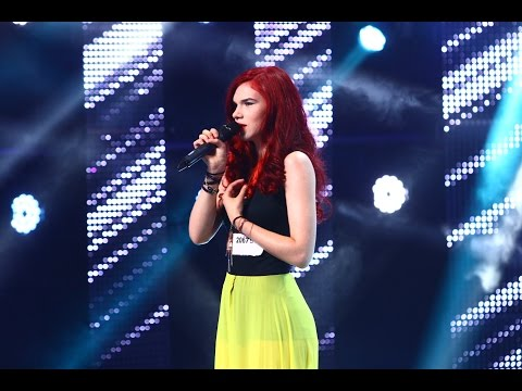"Smiley - ""Designed to love you"". Vezi interpretarea Alexandrei Penciu, la X Factor!"