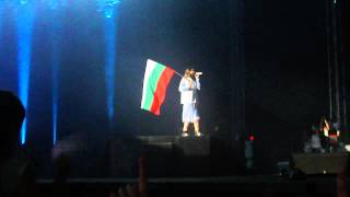 30 Seconds To Mars - Do Or Die 1 - Jared with the Bulgarian flag