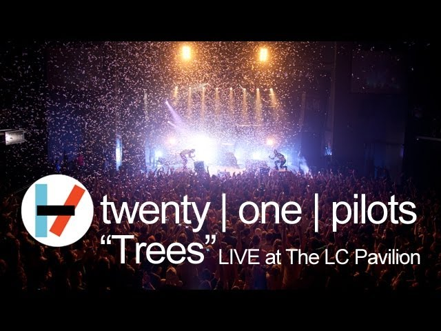 "Video de Twenty One Pilots tocando ""Trees"" en concierto"