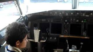 GAbriell conhece cabine avião da Gol. Gabriell knows into plane´s cockpit Gol