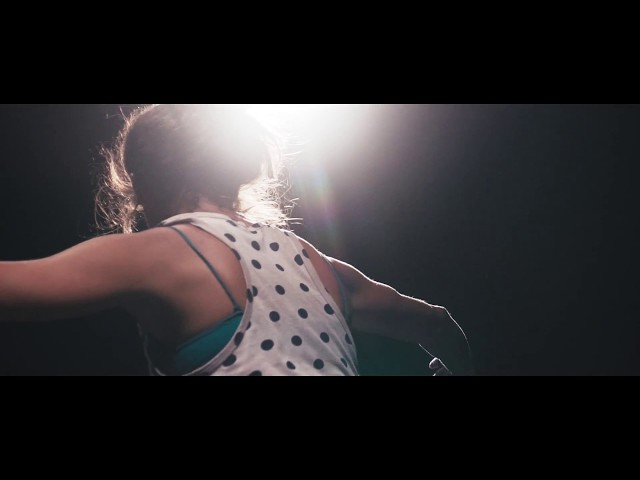 """Videoclip oficial de la canción """"Cocacola Revolution"""" de Aullido Atómico."""