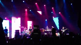 Stereo Hearts Gym Class Heroes - Maroon 5 live in Hong Kong (27th September 2012)