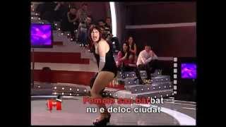 Naomi - Sunt o ștoarfă (2009)