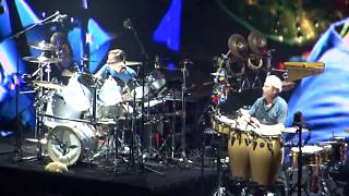 Phil Collins - Drum Duet (by Nicolas Collins and Luis Conte) - Live in Paris 19 06 2017