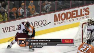 Wayne Simmonds drills Rostislav Klesla [HD]