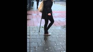Krukken sok / crutches sock girl