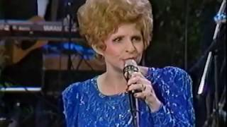 Brenda Lee belts out an amazing version of Hurt