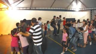 3 - Patinho - Rafa com as criancas da PIPG