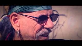 El Toubab - Mi debilidad  con El Drogas y Kutxi Romero (videoclip oficial)