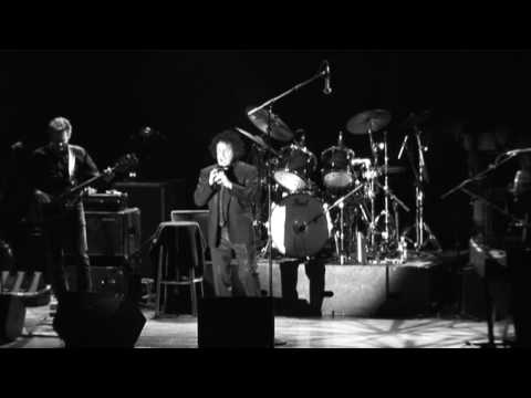 giving-it-all-away-leo-sayer-live-09-leosilverbird1