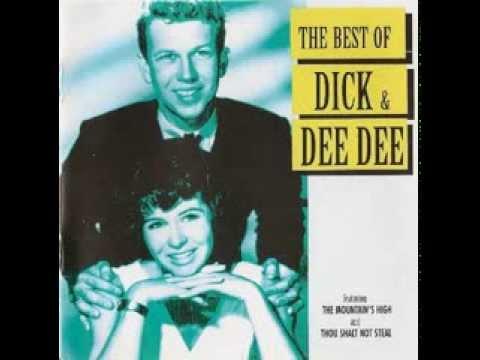 Turn Around de Dick Deedee Letra y Video