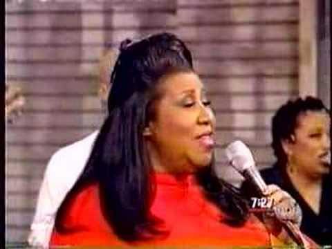 aretha-franklin-say-a-little-prayer-gma-1998-ubbigubbi