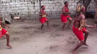 Asi bailan merengue las mujeres de Africa