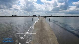 ¡CONOCE la Carretera que Aparece y Desaparece en el Mar! | AtomClic