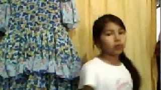 agostina cantando:quien la juna(rocio quiroz)