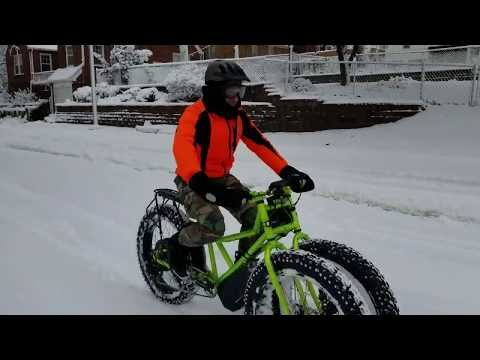 3000w JUGGERNAUT 3 TIRE FAT BIKE IN SNOW