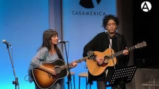 Amaral y Manuel García -  Miren como sonríen