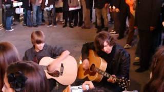 Justin Bieber na Times Square lindinho...