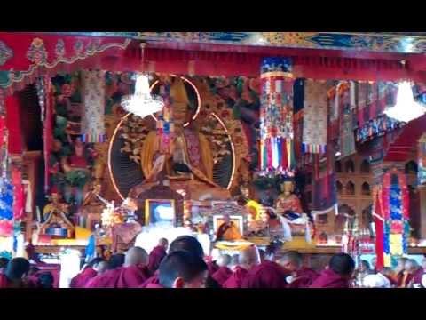 Lama Zopa Rinpoche speaking on Losar Day – Kopan Monastery – Kathmandu, Nepal – 22 februari 2012