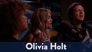 "Olivia Holt Performs ""History"""