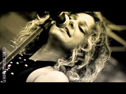 nikka-costa-yer-blues-beatles-cover-live-sound-sirinamagnificent
