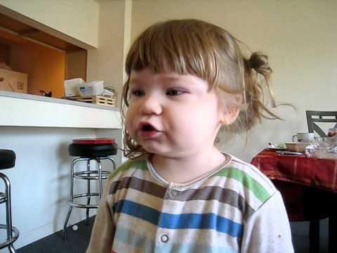 Elif Öykü Elif Oyku Sayı sayıyor (2 yaş)