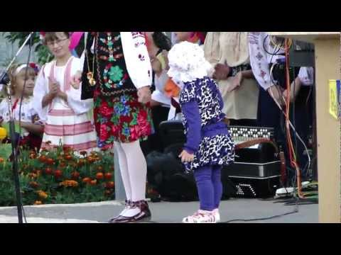 Cute Baby Dance – Fun Starts After the First Chorus of the Song