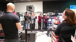 The Overtones - Pretty Woman Live at HMV Lakeside