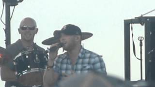 Cole Swindell  - Beer in the Headlights (Luke Bryan cover) 11/16/14 St. Pete/Tampa