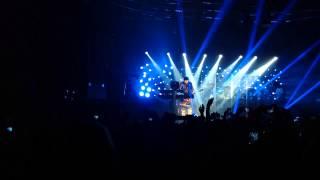 Tokio Hotel - Kings Of Suburbia - Tom's solo (Milan 17.3.2015)