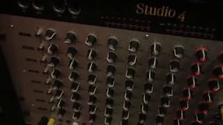 Vermona Drm1 sequenced by Mpc. Pads = Juno