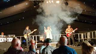 Get Ready - Baby I Love You - Ronettes 60's cover @ the Retro Festival, Newbury 2017
