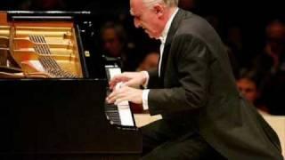 "Debussy - Prelude No. 7 ""La Terrasse des audiences du clair de lune"", from Book II (Pollini)"
