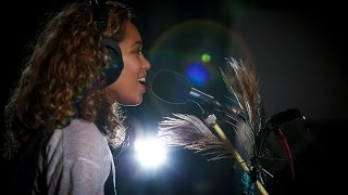 Izzy Bizu - Give Me Love (Maida Vale session)