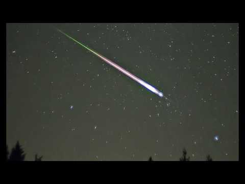 Lyrid Meteor Showers Peaking Tonight! Eyes to the Skies!