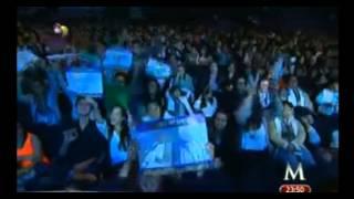 "Lucero feat 3 Ball Monterrey ""Besos al Aire"" TELETON 2013"