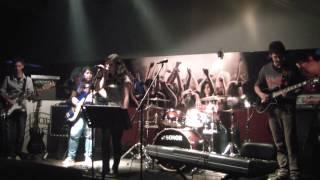 Mundo ao Contrário- Mwamba Power Band (Xutos&Pontapés Cover)