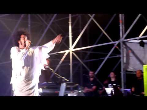 caparezza-annunciatemi-al-pubblico-live-2011-cagliari-03-17-fabrizio-loddo