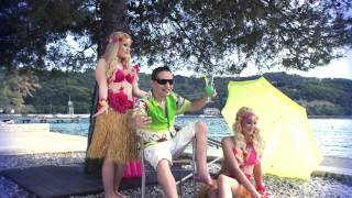 ATOMIK HARMONIK - HEJ ŠEF, RABM DOPUST (OFFICIAL VIDEO)