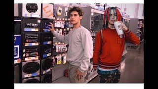 "Lil Pump ""Gucci Gang"" Speaker Prank in Walmart! (Cops Come)"