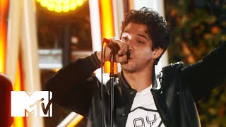 Tyler Posey Jams With All Time Low   2015 MTV Fandom Awards