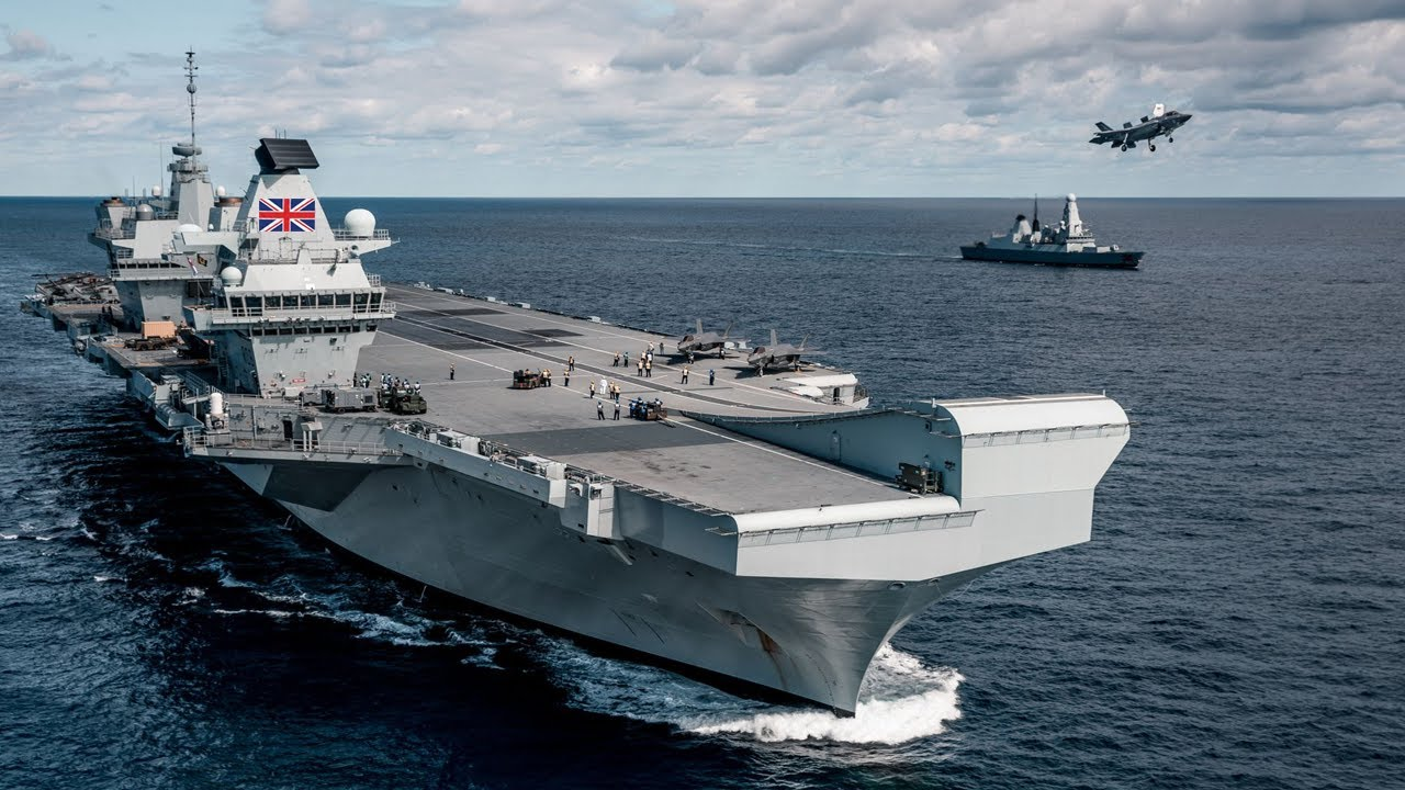 UK Warship • Leads International Fleet into Waters claimed by China