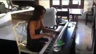 Chris Brown Benny Benassi Beautiful People by Alida (piano cover)