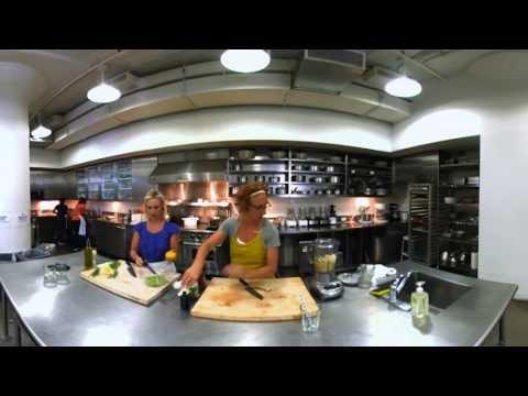 Avocado Pear Juice Smoothie with Sarah Carey - 360� Video